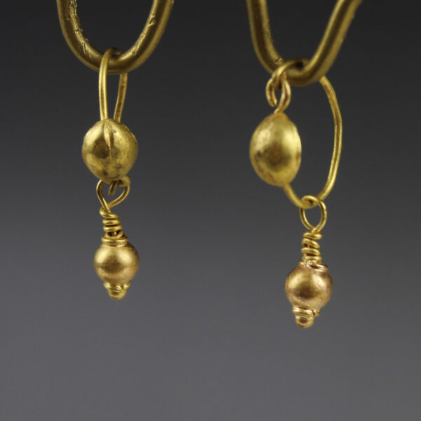 Roman earrings
