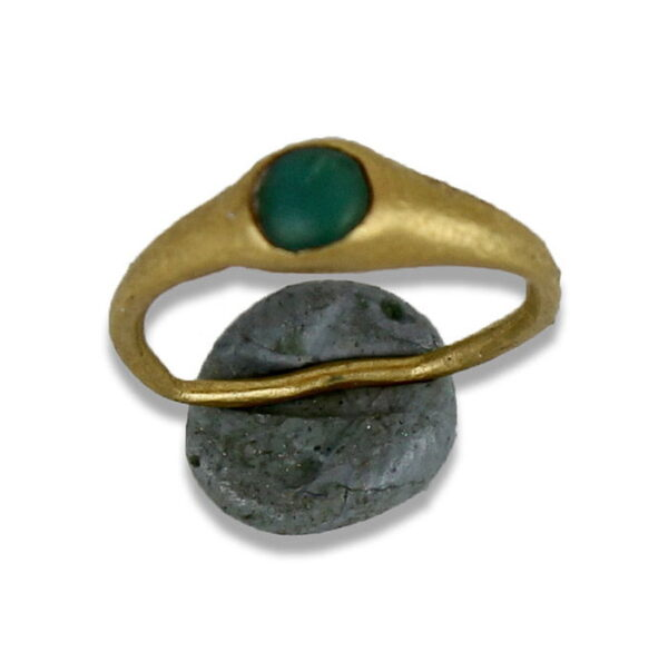 Roman ring with emerald