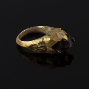 Late Roman / Byzantine ring with carnelian stone