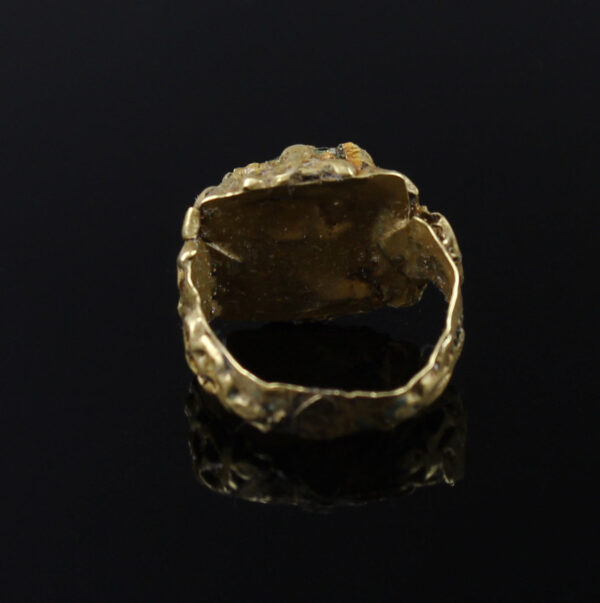 Roman ring with emerald stone